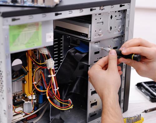 Instalace programů do PC a notebooků, montáž počítačových sítí ve firmách, úřadech i v domácnostech. Zapojení tiskáren a faxů k počítači, nebo do počítačové sítě.