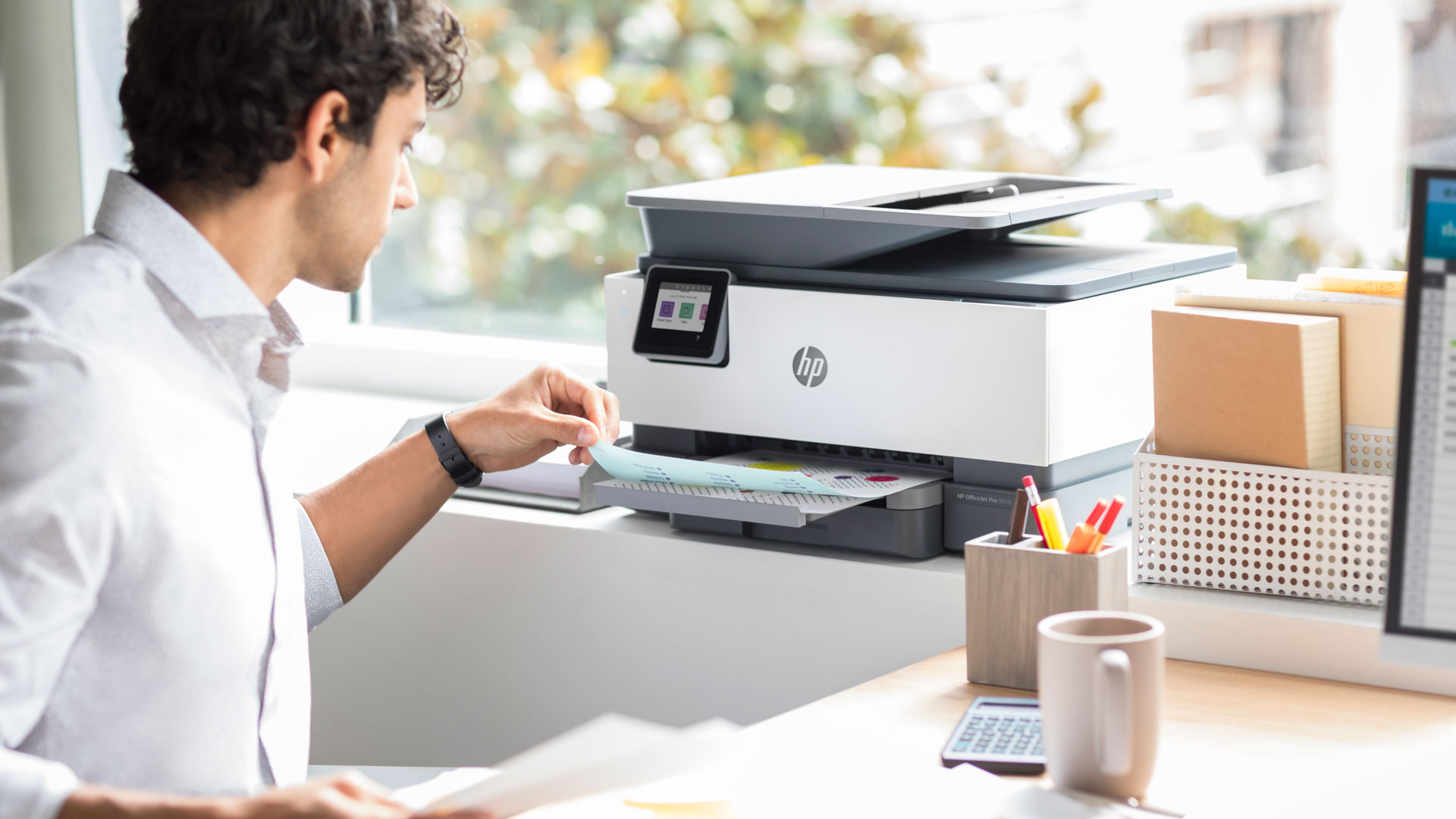 Pronájem PC, tiskáren a jiné výpočetní techniky - Naše společnost realizuje pronájem PC, notebooků, počítačů, telefonů, telefonních ústředen a tiskáren a to jak společnostem, tak i soukromým osobám.